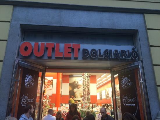 Outlet Dolciario Buenos Aires, Milan - Restaurant Reviews, Phone ...