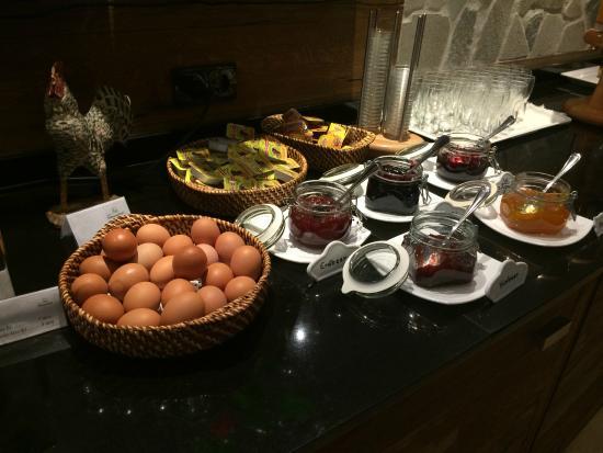 Hotel Pettneuerhof: buffet petit déjeuner