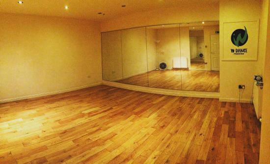 W Dance Studio