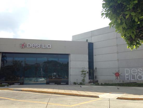 Expo Guadalajara: Excelente lugar para organizar eventos. Bien ubicado. Muchos hoteles y restaurantes alrededor.