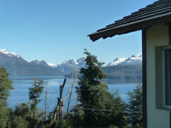 Hosteria Le Lac: vista al lago y cordillera