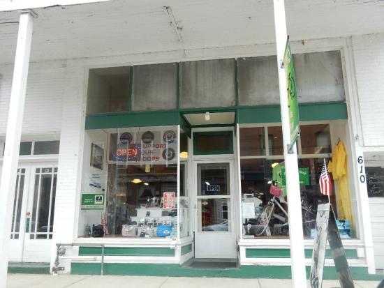 Emlenton, PA: Store front