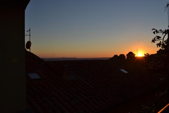 Casa Chilenne B&B: Sunsets on the roof top terrace