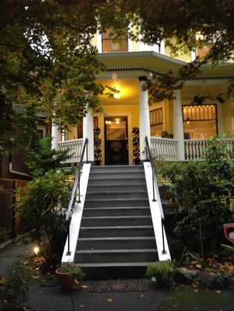 Entrance Picture Of Barclay House Bed And Breakfast