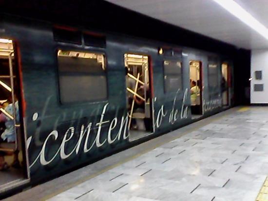 Forum Buenavista : Metro Revolución