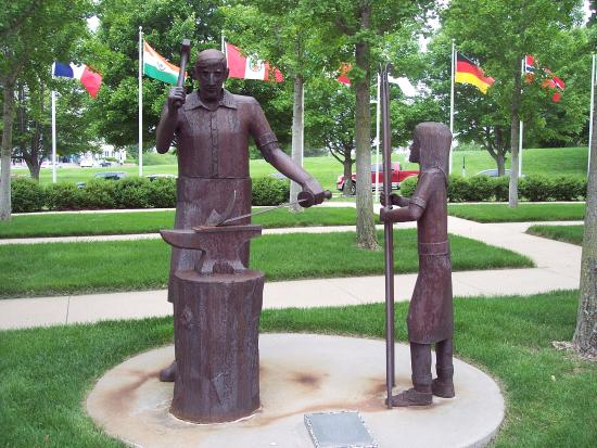 Independence, MO: swords into plowshares