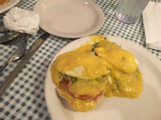 Blue Plate Cafe: Eggs and Tomato with Holandaise Sauce