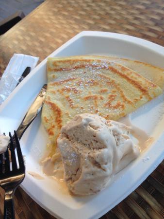 Yolo: crepe with gelato
