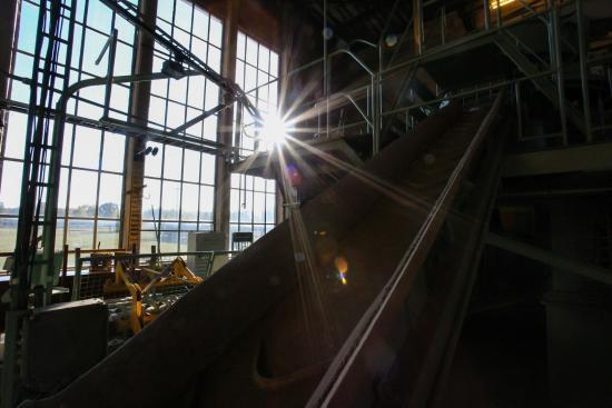 Zehdenick, Germania: Innerhalb der Produktionshalle ist jeder Schritt erklärt und fast alles begehbar.