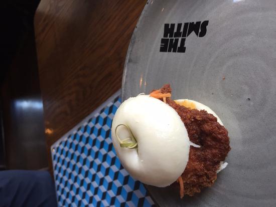 The Smith Restaurant & Bar: Crispy chicken bun, house made pickle & spicy mayonnaise