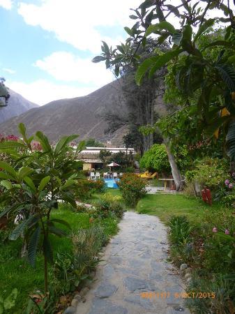 Churin, Peru: Vista de la piscina desde habitación
