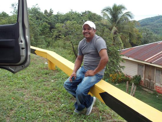 Infinity Bay Spa and Beach Resort: Our driver Ernesto Zelaya