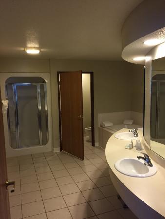 Wyndham Garden Madison Fitchburg: Room 413