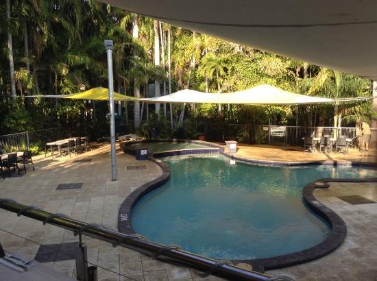 Kununurra Country Club Resort: View of Pool from Bar - Kununurra Country Club