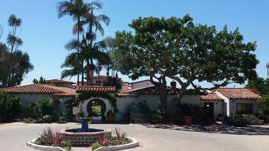 San Clemente, CA: The building when you pull up to Casa Romantica.
