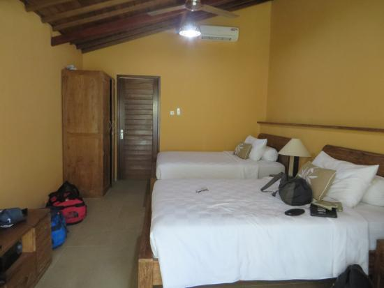 Wayan's Guest House: Large bedroom