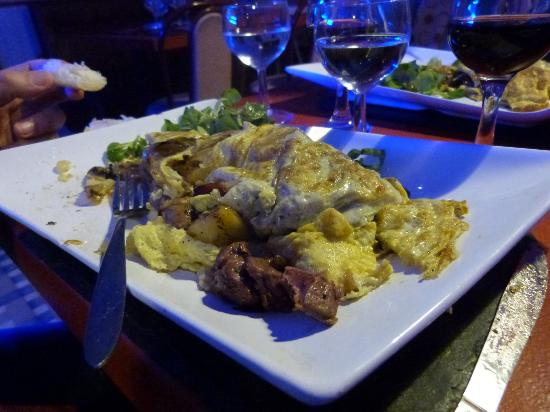 Rivarennes, France : Omelettes aux rillons