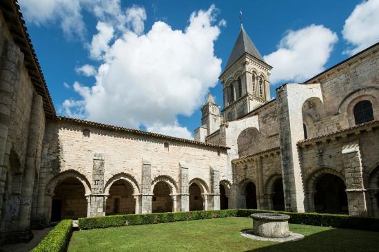 Nieul-sur-l'Autise Abbey