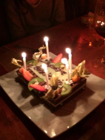 Aux Petits Oignons: Délicieux gâteau d'anniversaire