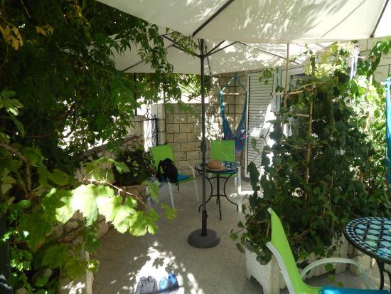 Villa Nina: Lovely garden patio