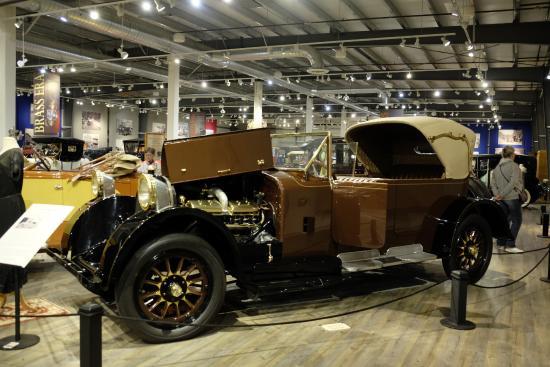 3 picture of fountainhead antique auto museum fairbanks. Black Bedroom Furniture Sets. Home Design Ideas