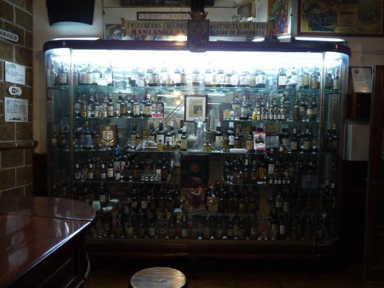 Taberna La Manzanilla: decoración