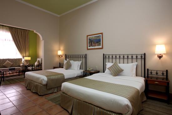Guest Room -Twin bedroom