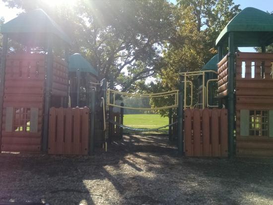Circle M RV & Camping Resort: Playground