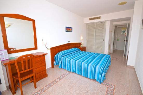 Hostal Residencia Molins Park: Habitación Cama Matrimonio