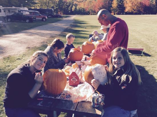 Swanzey, Nueva Hampshire: Pumpkin carving