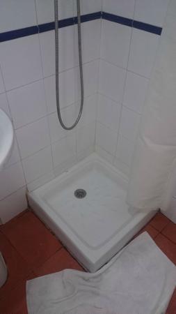 Pension Lisdos: Micro cabine de douche