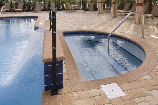 Hampton Inn & Suites Sarasota/Lakewood Ranch: Hot Tub
