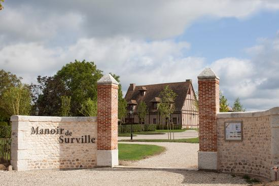 Entrée Manoir de Surville