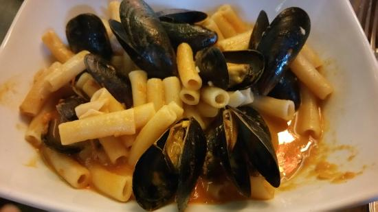 Gnocci, mussels and tomato bisque