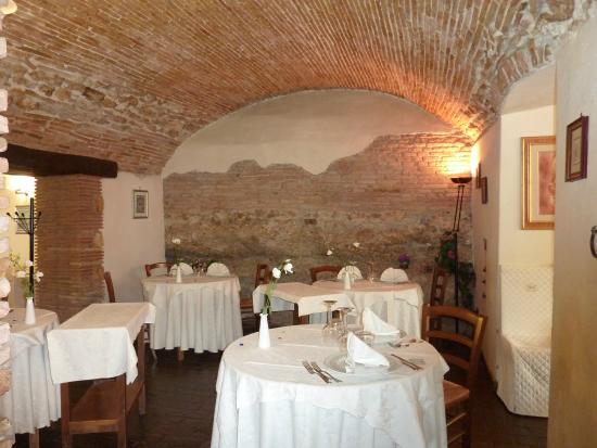 Hotel La Rocca: sala ristorante