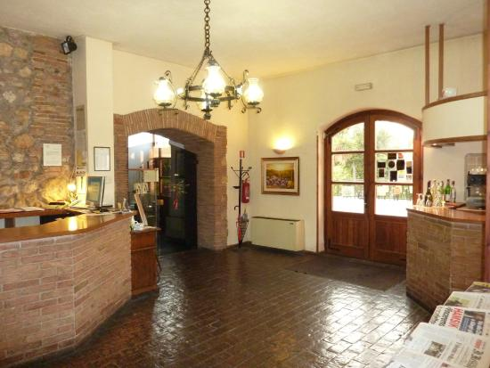 Hotel La Rocca: hall