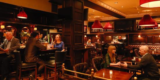 The Pikeman Bar - The Grand Hotel : Pikeman Bar