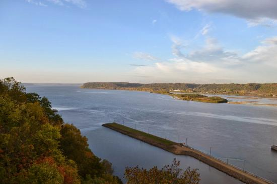 Dubuque, IA: Eagle Point Park