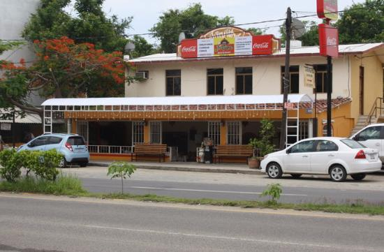 Juanitos Restaurant and Cybercafe: JUANITOS