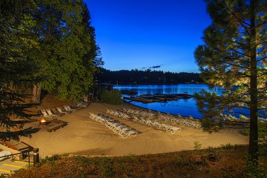 Lake Arrowhead Resort and Spa, Autograph Collection: Hotel Private Beach