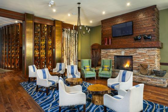 Lake Arrowhead Resort and Spa, Autograph Collection: Bin 189 Lounge Area