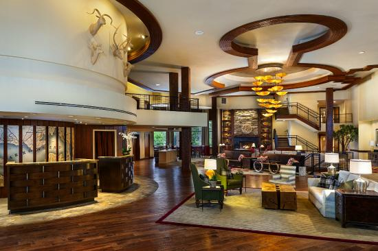 Lake Arrowhead Resort and Spa, Autograph Collection: Hotel Lobby