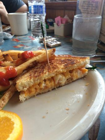 Clallam Bay, WA: crab & Cheese sandwich