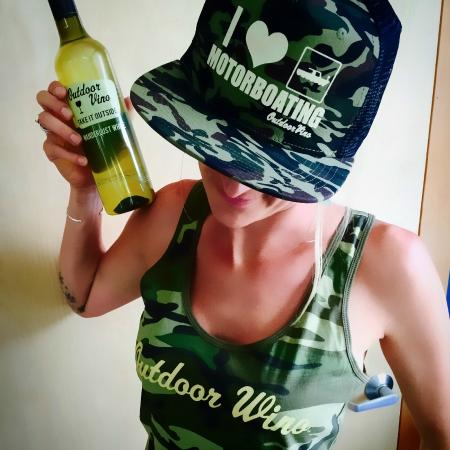 Hood River, Oregón: Lovin' her Outdoor Vino and swag