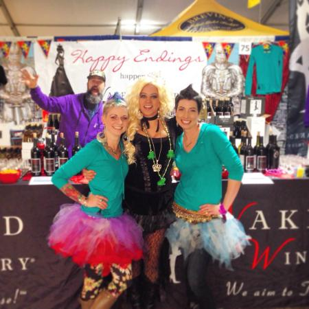 Naked Winery : Getting Naked at the Newport Seafood & Wine Festival!