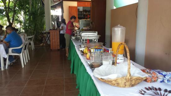 Restaurant La Bocana : Buena Comida, solo en el Desayuno Bufete de La Bocana.