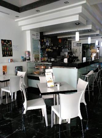 Cafeteria Blanco y Negro