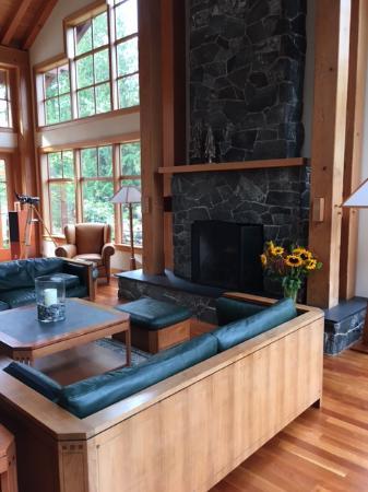 Bow, WA: The Living Room!
