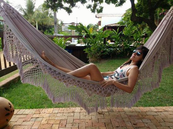 Barcaca Pousada : Jardim com redes, almofadas e puff para descanso. Agradável e silencioso. Somente barulho dos pá