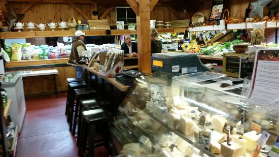 Grand Oak Culinary Market: Meals to go, a bakery and an eat in area.